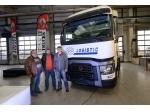 """T 460k low deck má prvního majitele, je to """"srdcař"""" značky Renault Trucks"""
